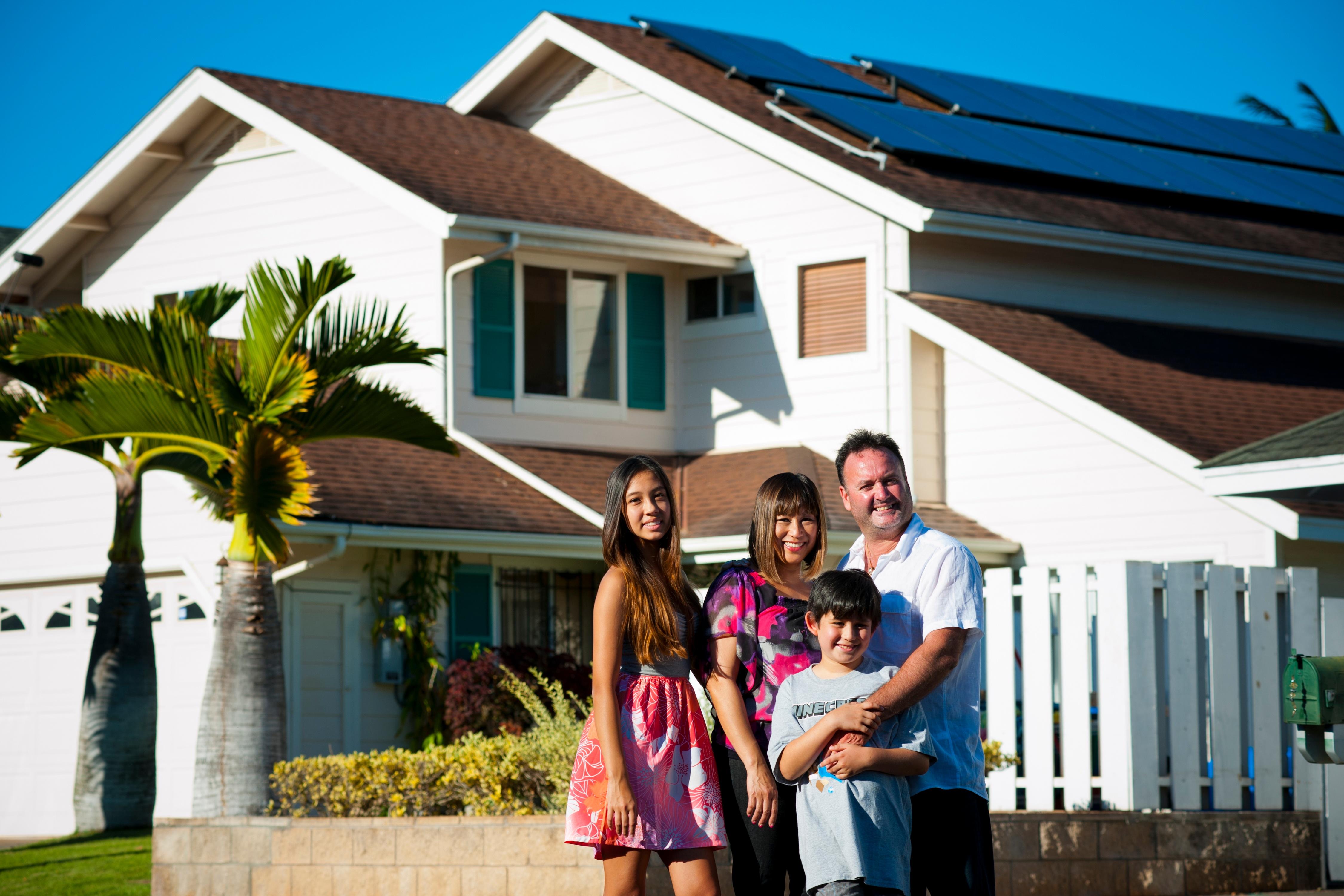 Enphase_Hawaii_Campaign_Pereiras_04.jpg